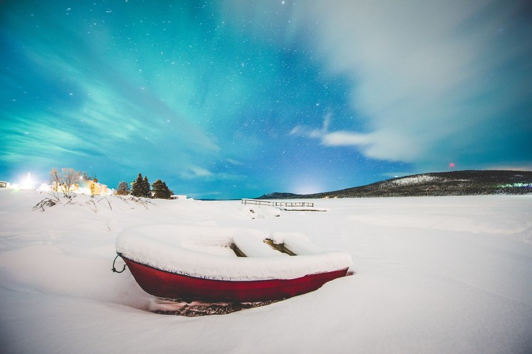 boat-winter-arctic-light-icehotel-sweden-1400x932